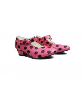 Zapato de sevillanas rosa lunares negros
